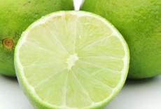 Uống nước cam, chanh, ăn gừng, sả có ngăn ngừa được bệnh Covid-19?