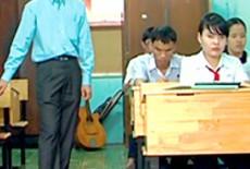 Khâm phục thầy giáo khiếm thị có 2 bằng ĐH, 1 bằng thạc sĩ