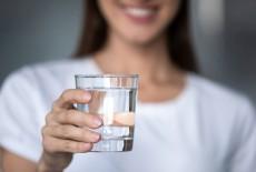 6 sai lầm nhiều người mắc phải khi uống nước